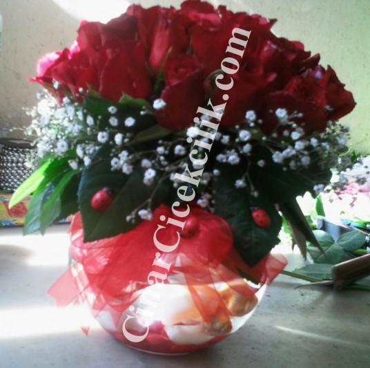 21 Adet Cam Fanusta Kırmızı Gül Balıklı Çiçek
