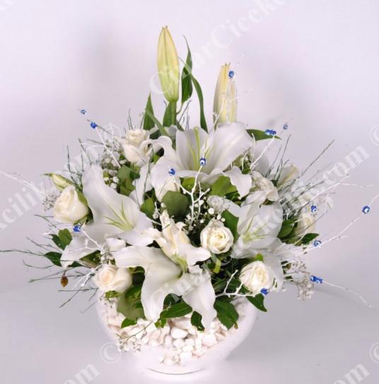 Sevgi Seli Beyaz Gül Lilyum C-AR115
