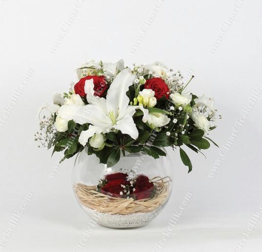 'Büyülü Rüya' Kırmızı Gül Ve Lilyum Çiçekleri