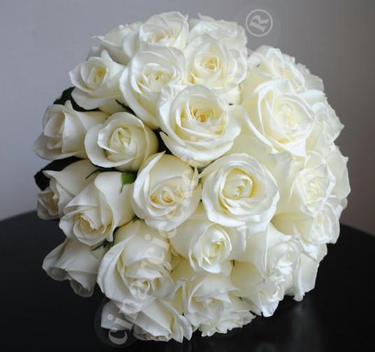 Beyaz Gül Gelin Buketi Yuvarlak