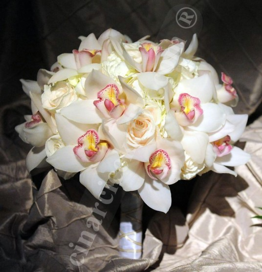 Beyaz Orkide Beyaz Gül Gelin Buketleri