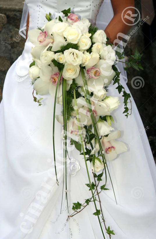 Gelin Buketi Beyaz Orkide Gül Sakmalı