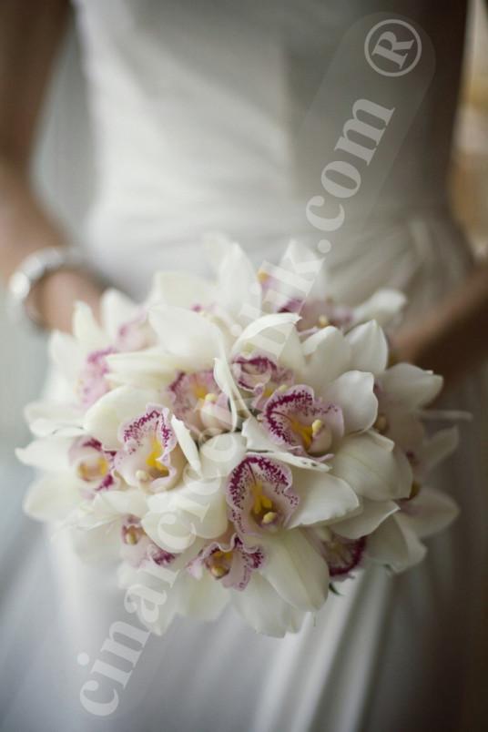 Model Beyaz Orkide Gelin Buketi