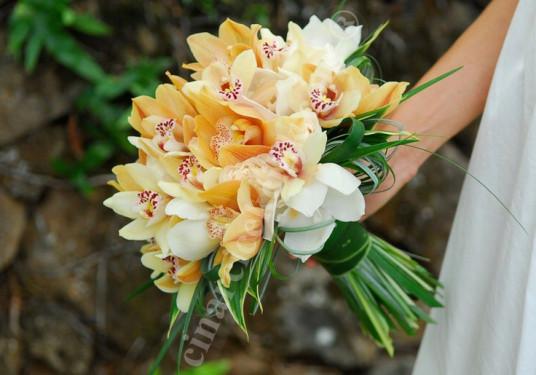 Beyaz Turuncu Orkide Gelin Buketleri