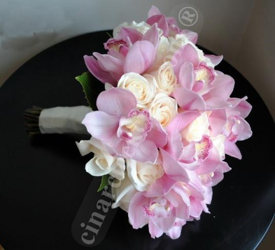 Pembe Orkide Beyaz Gül Gelin Buketleri