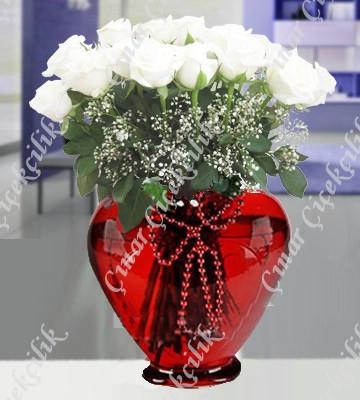 Canım Aşkıma Kalp Vazoda 11 Beyaz Gül C-KLP122