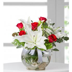 5 Kırmızı Gül Lilyum Çiçek Sepeti Gönder C-CAM137