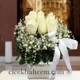 Beyaz Düş Gül Çiçek Aranjmanı