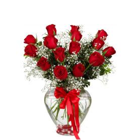 Aşkın Kucakladığı 15 Kırmızı Gül C-KLP107